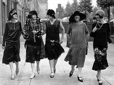 1920 flappers in Paris